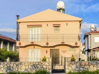 Fruit Tree Villa 3 Double Bedrooms With Spectacular Mountain Sea View