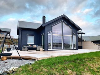 Archipelago cottage with panoramic views just 20 meters from the seafront