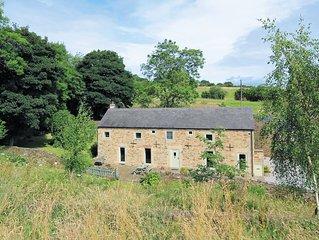 4 bedroom accommodation in Holymoorside, near Chesterfield