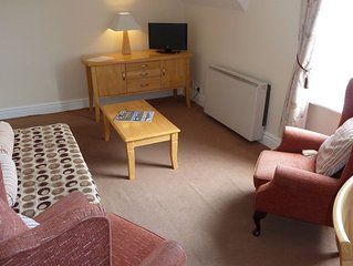 Cosy Loft Flat in quiet grand Victorian house nr seafront, railway, town centre