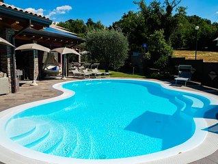 Villa al Lago di Garda – villetta con vista piscina