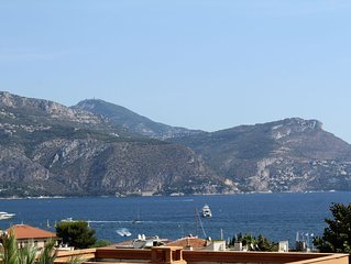 Lovely 3 bedroom apartment in St Jean Cap Ferrat, gorgeous sea views and pool