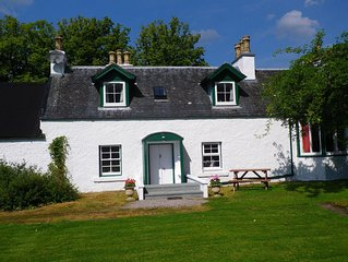 Cottage beside Loch Ness, Caledonian Canal and River Oich, Fort Augustus