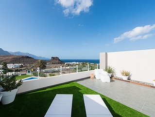 nice location for relax and rest in calm. Apartment for 2 people with sea views.