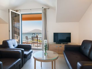 Two bedroom Apartment with Balcony & Sea View