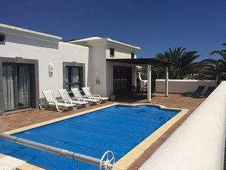 Outstanding Detached Luxury Villa with Private Heated Pool & Free WIFI Faro Park