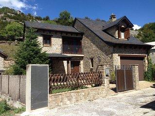 Casa con jardín en el Pirineo