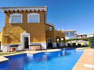 Family Friendly Frontline Villa With Private Swimming Pool