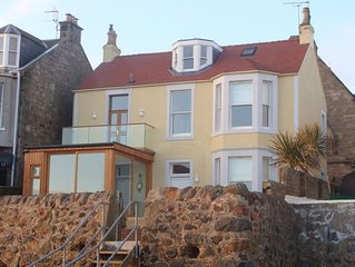 Beach house in Lower Largo with direct access to the sea and beautiful views