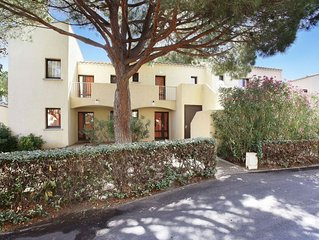 Tidy apartment in the popular resort of Le Cap d'Agde