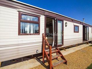 Dog friendly 6 berth static caravan by the beach in Hunstanton Norfolk ref 13008