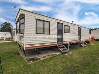 8 berth caravan for hire in Breydon water near Great Yarmouth in Norfolk.