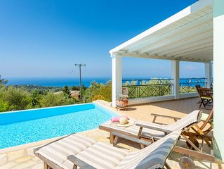 Villa Belvedere Verde: Large Private Pool, Sea Views, A/C, WiFi