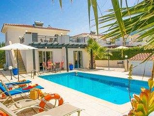 Villa Altea: Large Private Pool, Walk to Beach, Sea Views, A/C, WiFi