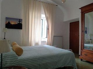 Casa colonica situata a pochi metri dal Porto di Marta, sul lago di Bolsena