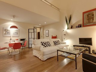 Filippo's loft modern and spacious. Historical center.