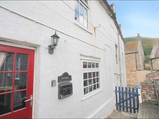 Anchor Cottage: Stunning sea views in the heart of Staithes!