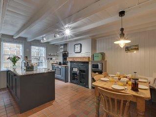 Fenay Cottage - Three Bedroom House, Sleeps 6