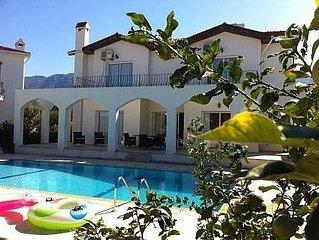 Holiday 4 Bedroom Home /Private Pool, Mountain/Sea Views, Sleeps 8