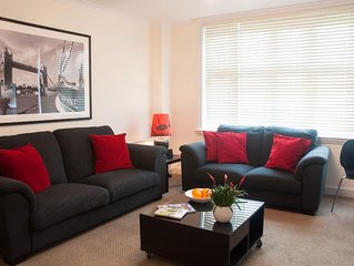 3 Bed apartment, gated complex on River Thames. Pet Friendly - Charges Apply (en