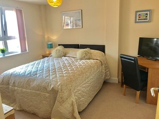 3 bed sleeps 6. 5⭐️⭐️⭐️⭐️⭐️ reviews.  Mumble, Gower, Wales. Swansea town cent