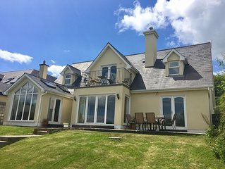 House in the heart of Kinsale - private garden and parking, superb views!