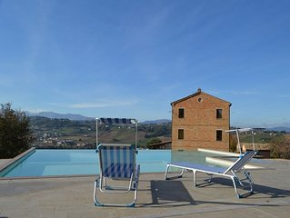 Villa with private pool and wellness area in the heart of Le Marche