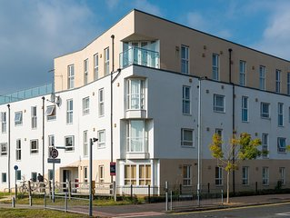 Stylish spacious 2-bedroom apartment furnished to a high standard.