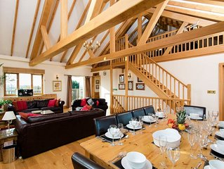 5 bedroom accommodation in Newport