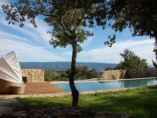 Prachtig domein met  adembenemend verwarmd prive-zwembad te Gordes (gratis WIFI)