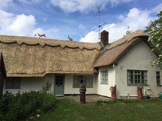Apple Tree Cottage - Two Bedroom House, Sleeps 4