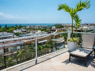 Sea views,  the best location, few steps from the beach, with beatiful terrace