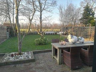 Mooi volledig gerenoveerd typisch huisje in rustige dorp van Nieuwvliet.
