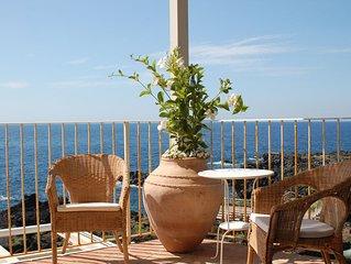 Casa in villa di charme in riva al mare di Pozzilo Acireale, Catania, Etna