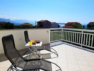 Seaview Apt with 35m2 seaview terrace, BBQ ,3 minutes walking to the beach
