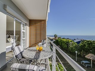 A stylish apartment which is perfectly located 10 minutes walk from the beach