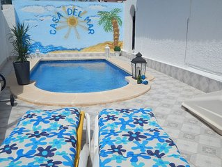 Luxury Family Holiday Villa, Private Heated Pool, in the heart of Los Alcazares