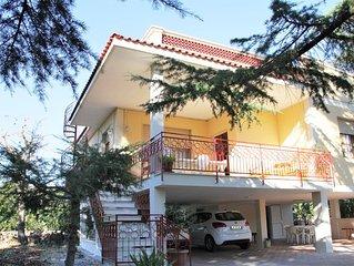 Villa Impalata, semi-detached villa with garden and outdoor living, WIFi