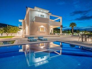 Ostria Luxury Villa with Private Pool