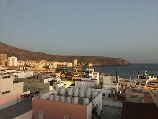 Apartamento / Petit Palace con wifi con vistas al puerto de Los Cristianos