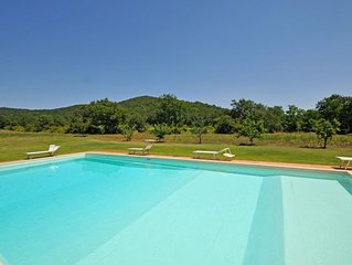 Apartment in Marsiliana with 5 bedrooms sleeps 10
