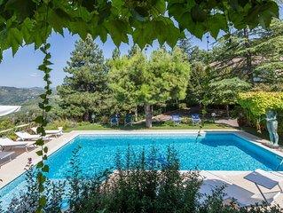 Tenuta Rosara, antico casale e villa con piscina privata e Jacuzzi, a soli 5 km