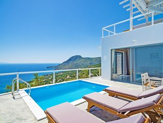 New villa with Incredible sea view, private pool,near  beach and tavern