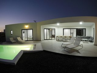 Dudi House: New luxury House with heated pool