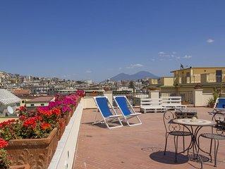 Stanza Acqua a Mergellina in elegante appartamento con vista mare