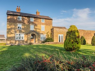 Large Farm House , Within 2 Acres Of Beautiful Gardens .Discounted bookings !!