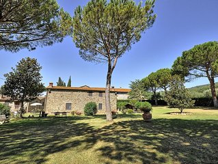 Casa Margherita e` parte di una casa Colonica con piscina in comune, 2 camere da