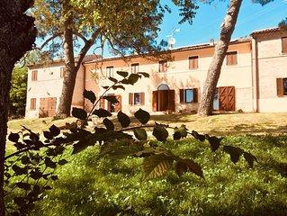 Villa Rosy-Brettino: mare, campagna, arte e storia