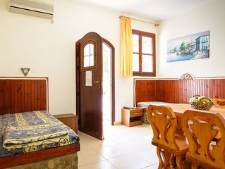 Ideal place for family near the beach with garden
