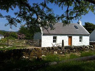 Traditional Cottage In A Beautiful Peaceful Location Close To The Sea